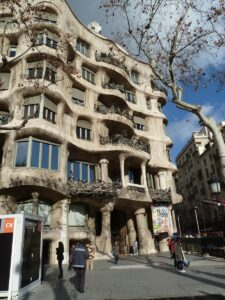 Many Barcelona Monuments Can Be Walked To