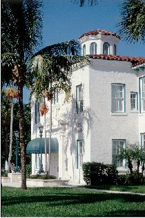 Delray Beach's historic downtown exteriors