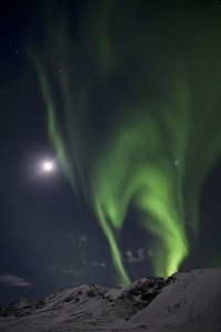 Northern Lights in Iceland forming a lime-green pattern