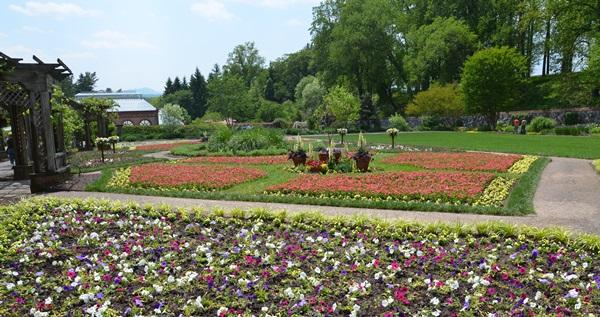 Biltmore Estate Gardens | Travelhoppers