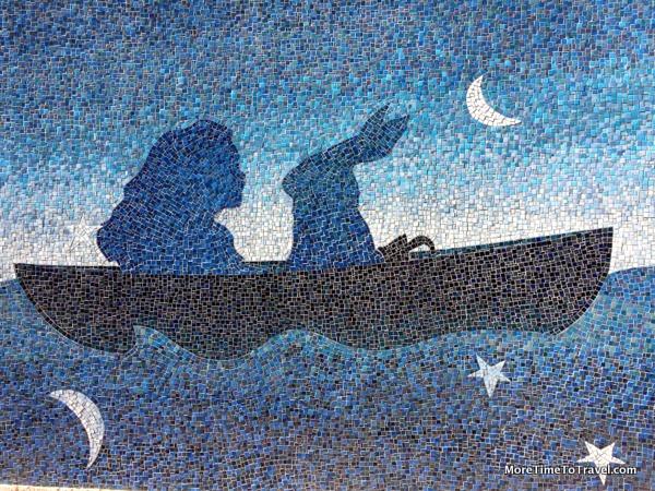 Mermaid mosaic on Miami River Walk (Credit: Jerome Levine)