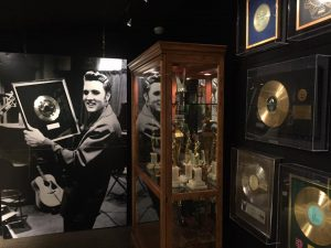 Allow a full day to explore Graceland.